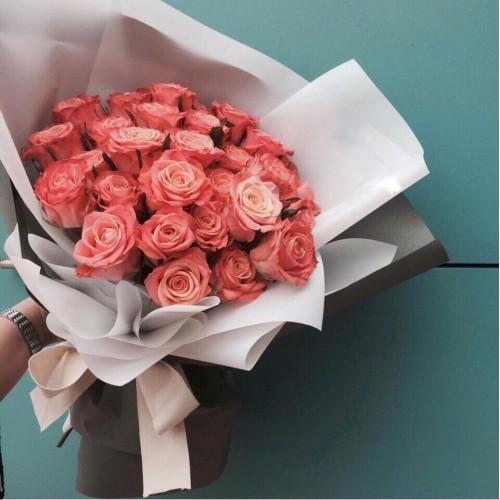 Купить на заказ Букет из 31 розовой розы с доставкой в Шаре